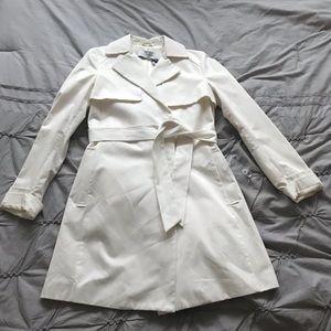 NWT T Tahari Ivory Trench Coat Size XS
